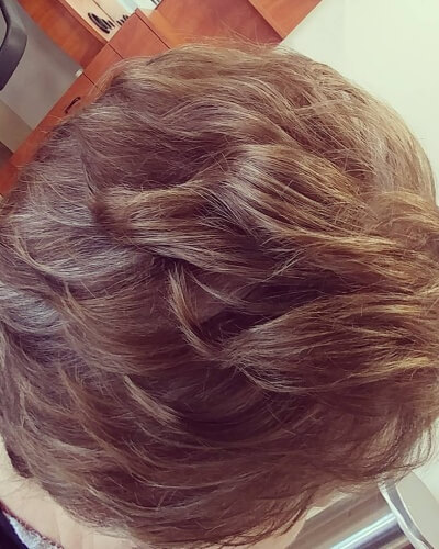 Piecey Lowlights above Shoulder Hairstyle