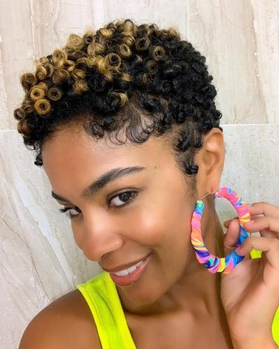 Two Tone TWA Hairstyle for Kinky Hair