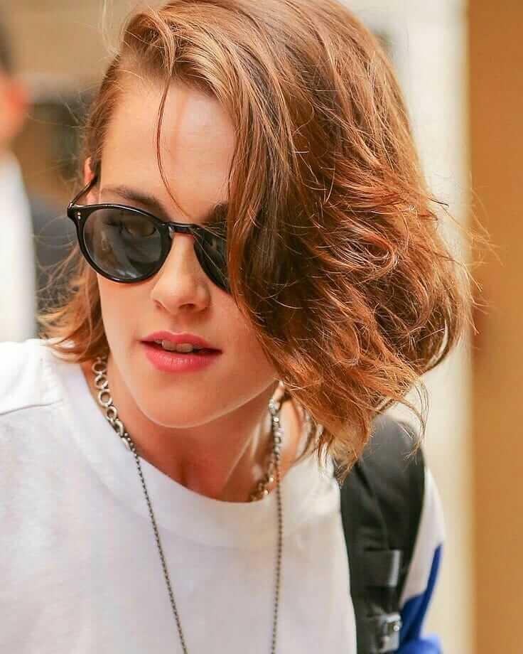 Kristen Stewart Flippy Side Part Bob Hairstyle