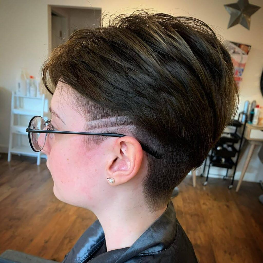 Layered Piecey Top and Tapered Undercut with Line Design