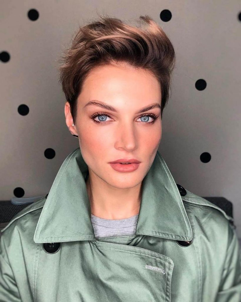 12+ Fashionable Short Hairstyles for Square Faces  Cheeky Locks