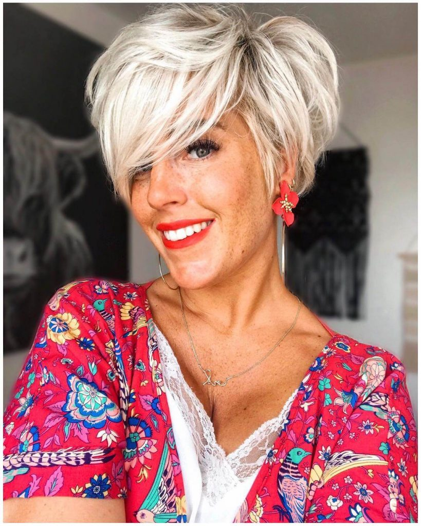 Messy Wedge Cut Short Bob Hairstyle for Oval Faces