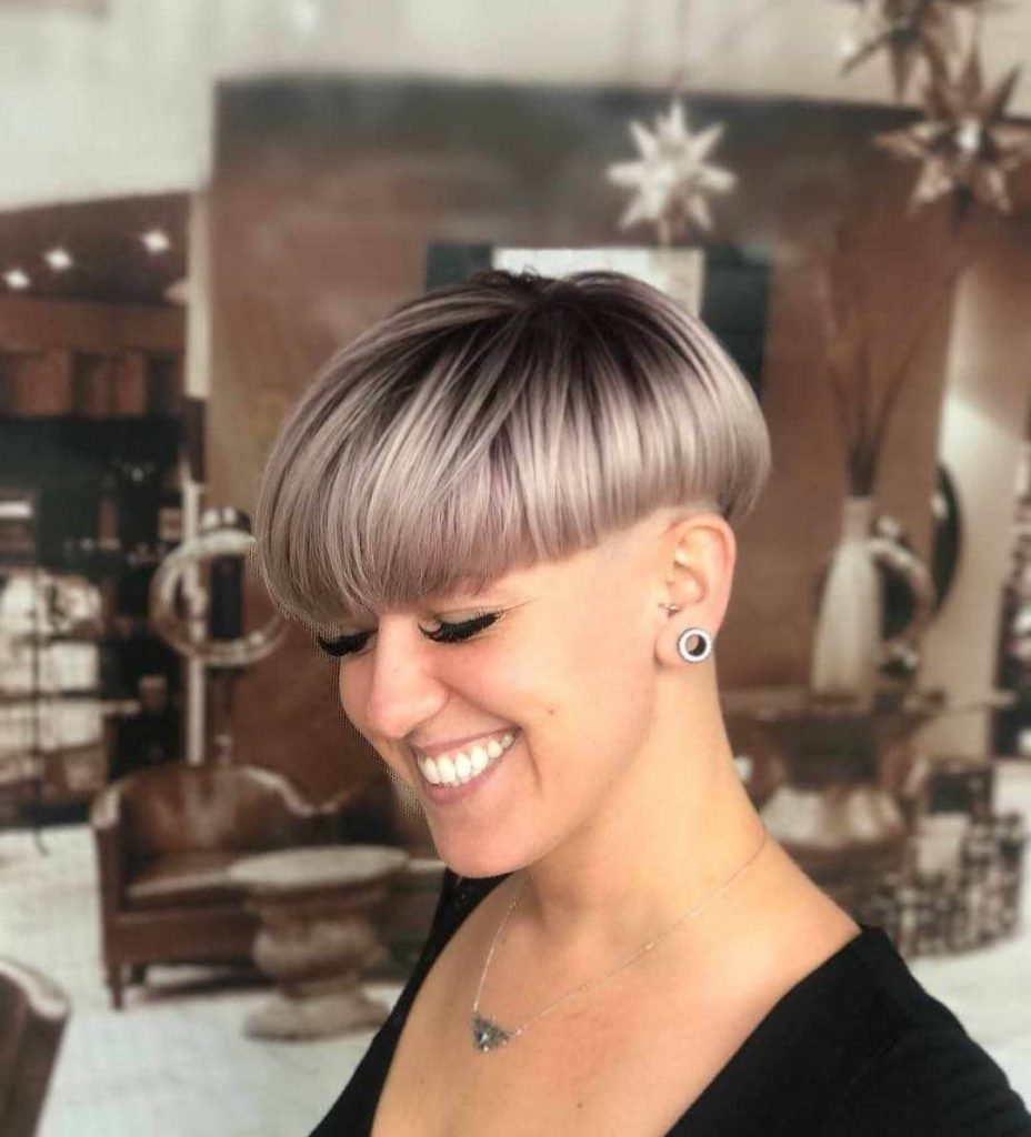 Modern Bowl Cut Hairstyle for Oval Faces