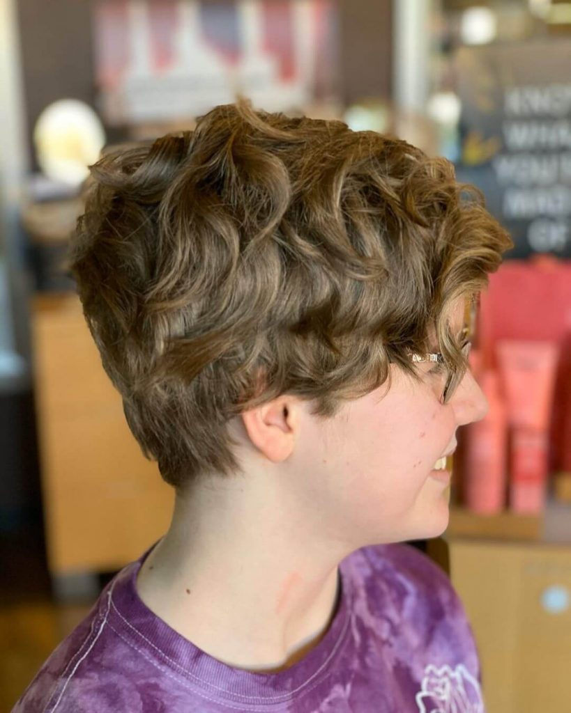50 Amazing Short Hairstyles For Round Faces Cheeky Locks