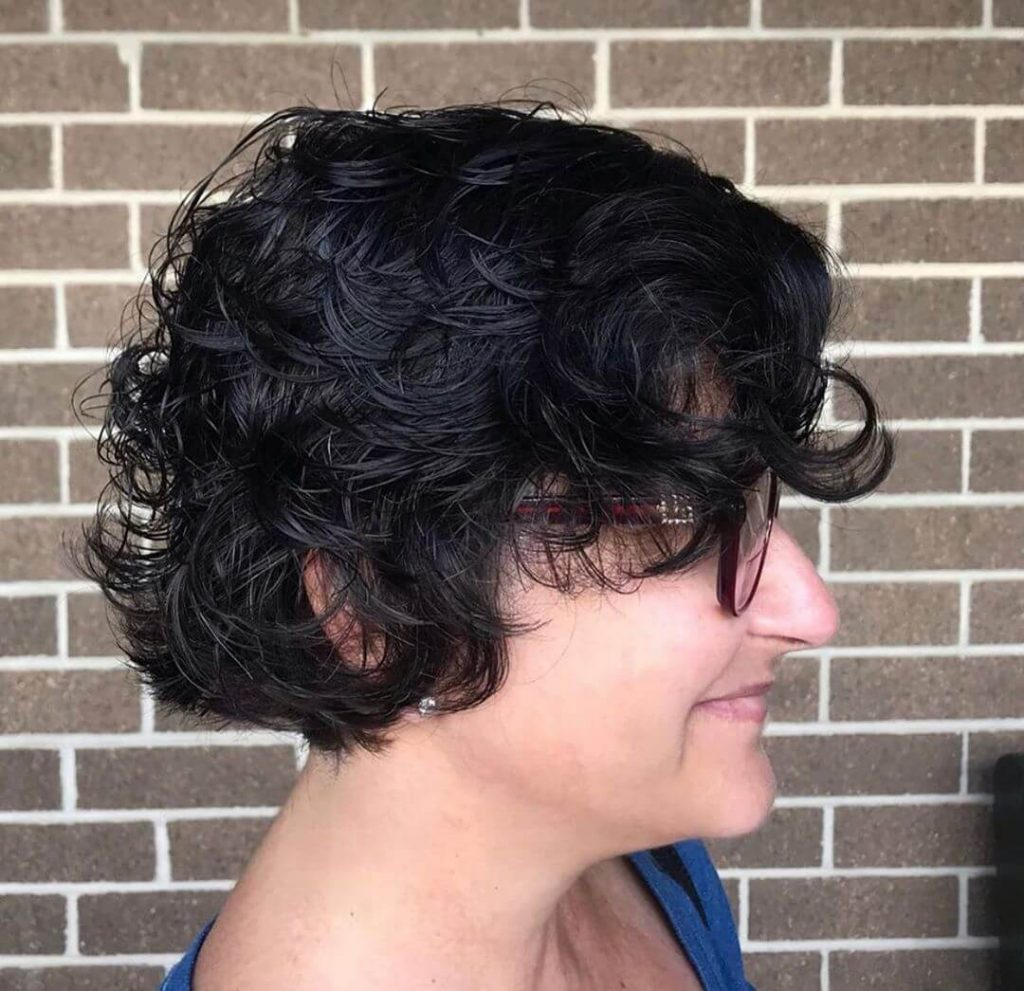 Short Curly Feathered Bob for Round Faces