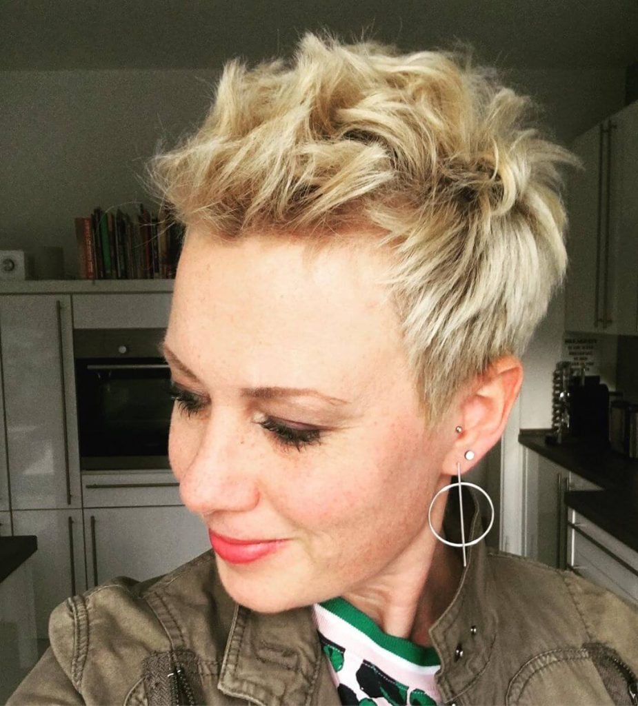 Spiky Piecey Short Pixie Hairstyles for Oval Shaped Faces