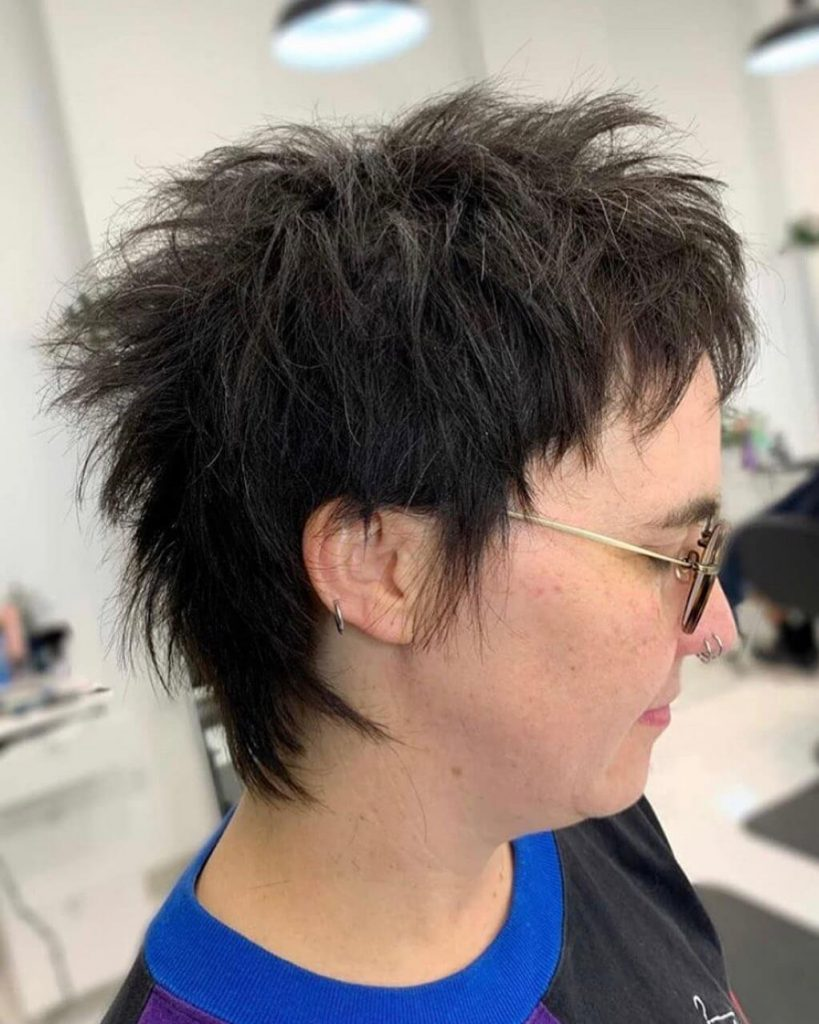 Textured Baby Mullet Hairstyle for Oval Shaped Faces