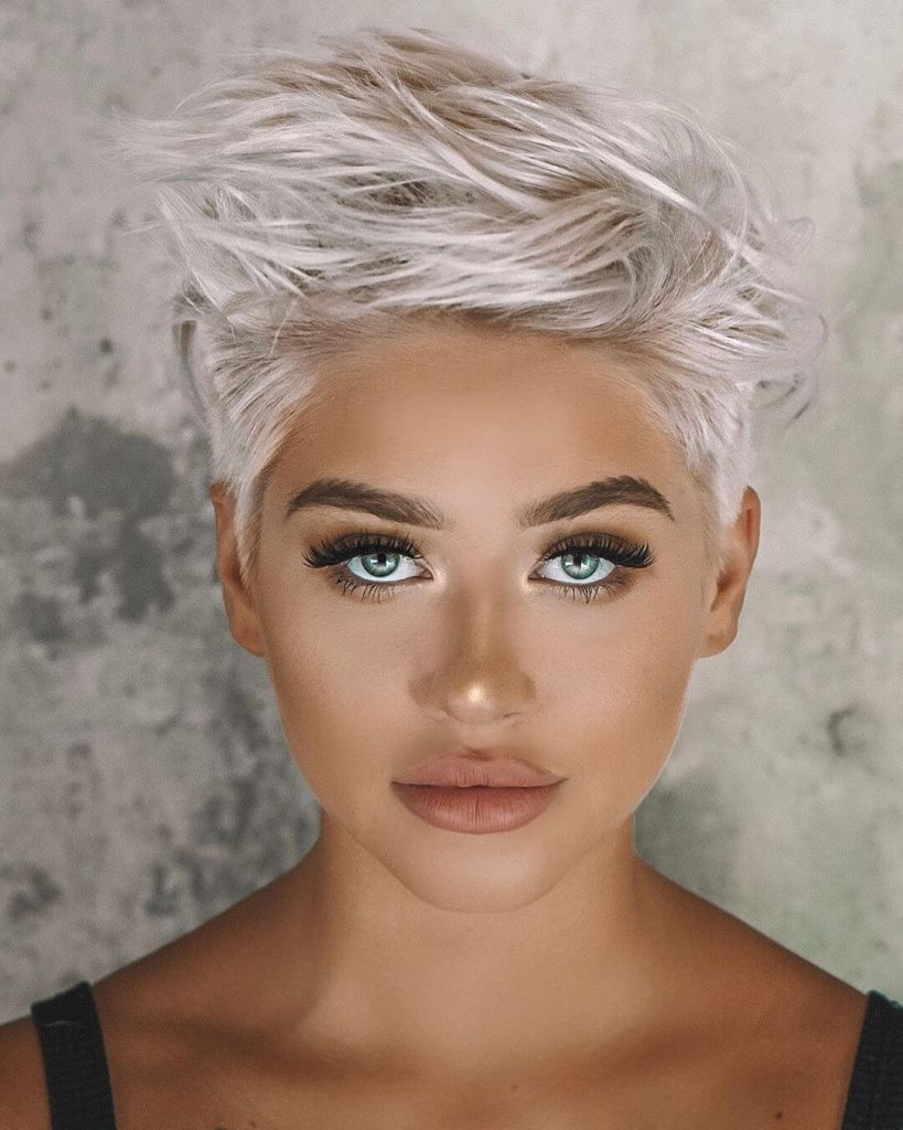 Textured Quiff Short Cut for Thick Hair and Square Faces