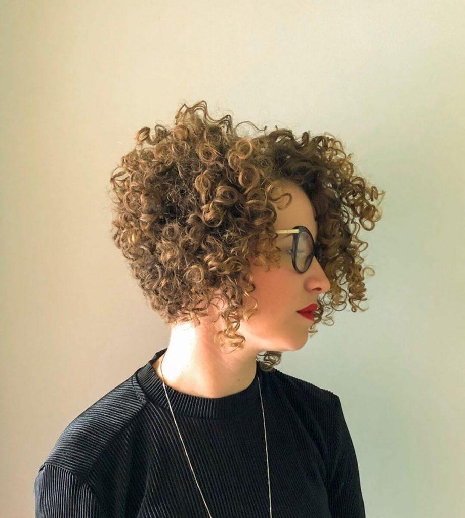 Voluminous Graduated Curly Bob Hairstyle