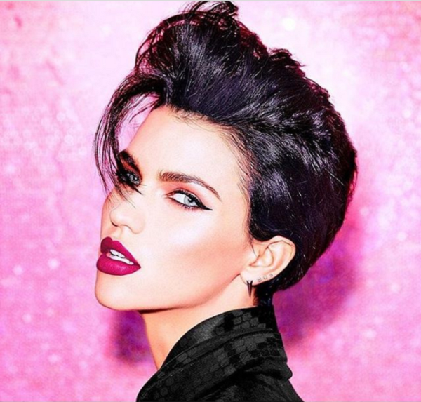 Pompadour-Like Short Hairstyle for Diamond Faces