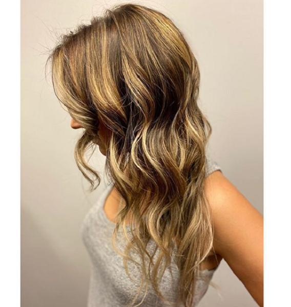 Blended Balayage Wavy & Layered Haircut