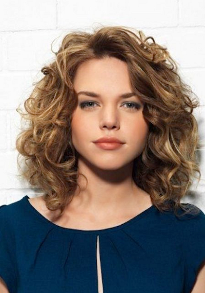 Basic Curly Medium-Length Layered Hairstyle