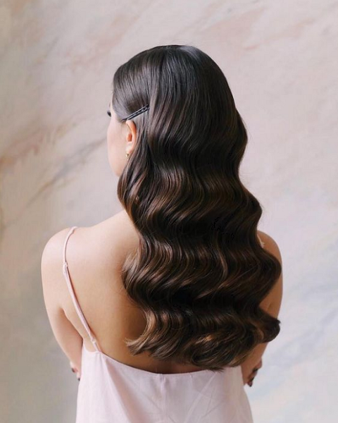 Formal Wavy Hairstyle with Minimal Side Accessory