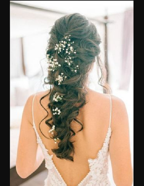 Long Wavy Loose Braid with Floral Accessories