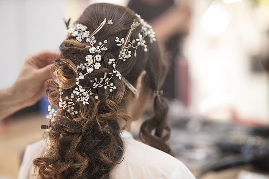 Romantic and Dreamy Fall Wedding Hairstyle Ideas