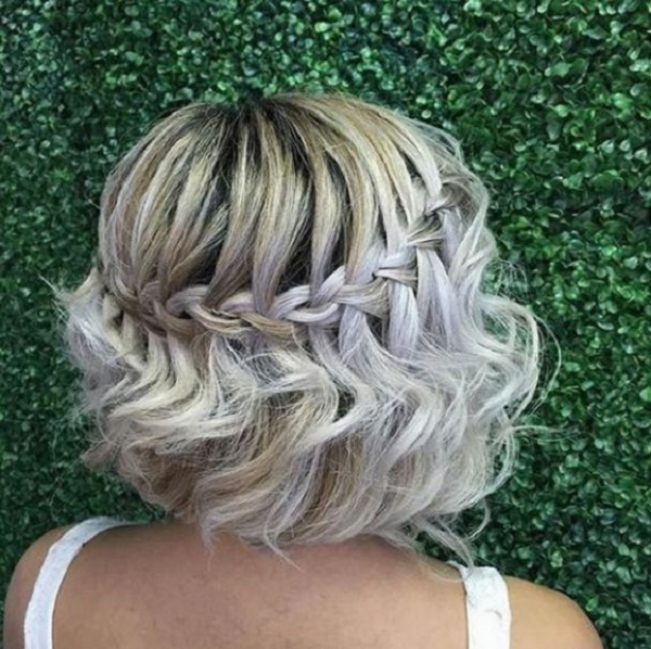 Wavy Hairstyle with Around-the-Head Braid