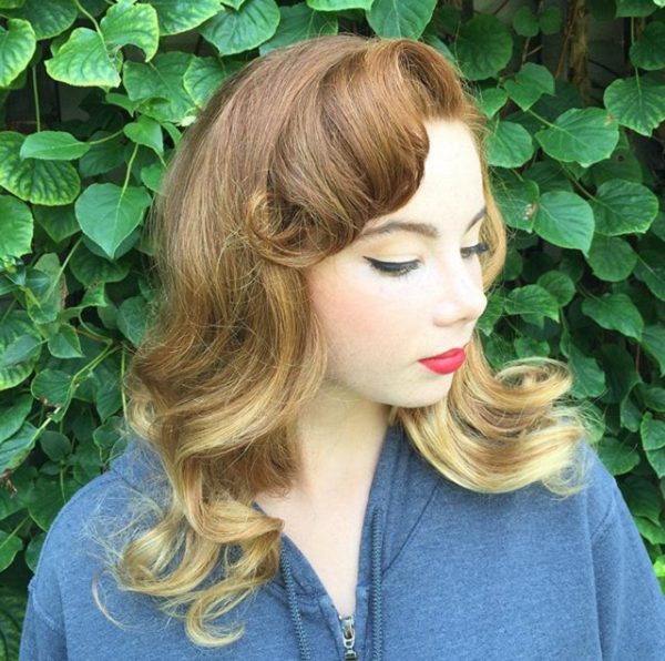 Wavy Retro Hairstyle with Side-Parted Bumper Bangs