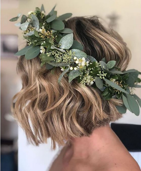 Wavy Short Bridal Hairstyle with Natural Crown Accessory