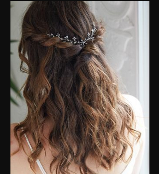 Wavy Hairstyle with Braided Crown