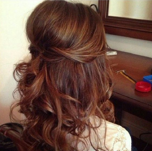 Wavy Half Up Half Down Hairstyle with Voluminous Top Area