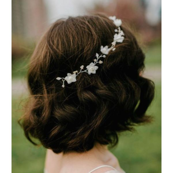 Wavy Lob With A Delicate Crown