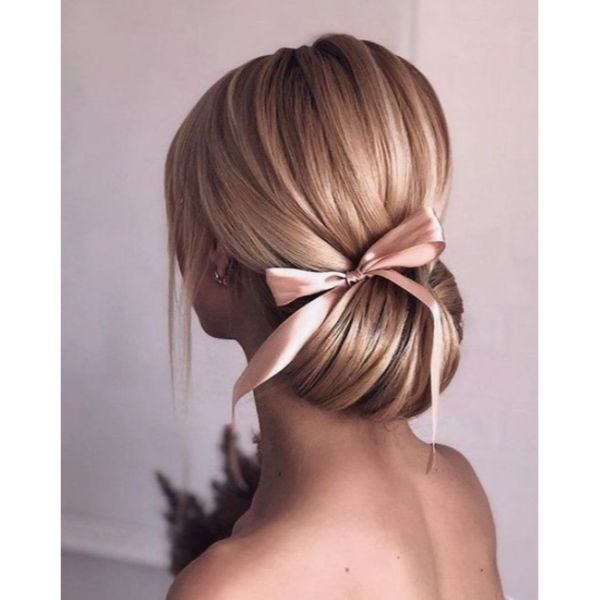 Oversized Low Updo With Bow