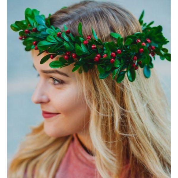 DIY Christmas wreath crown