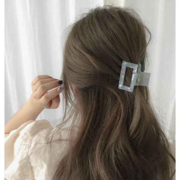 Easy Clamp Half Updo