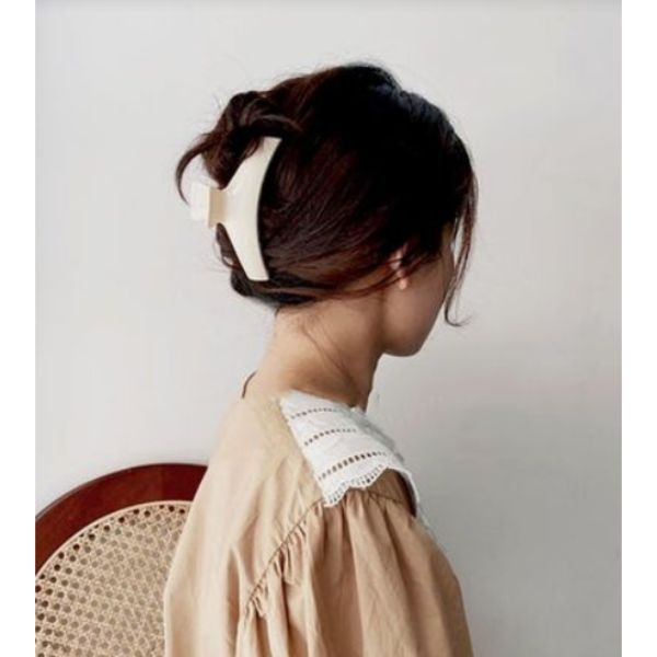 Fuss-free Clamp Updo
