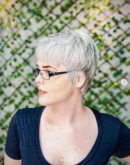 sliced cut idea for short haircuts for older women