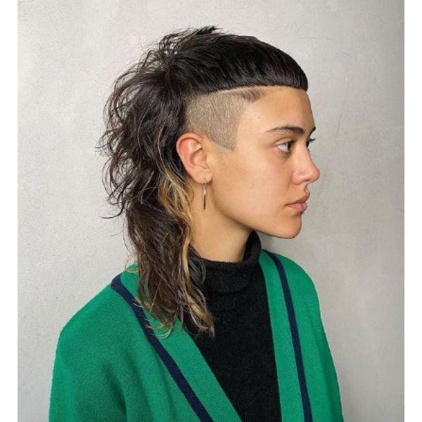 Asymetric Shaggy Razor Haircut With Round Bangs