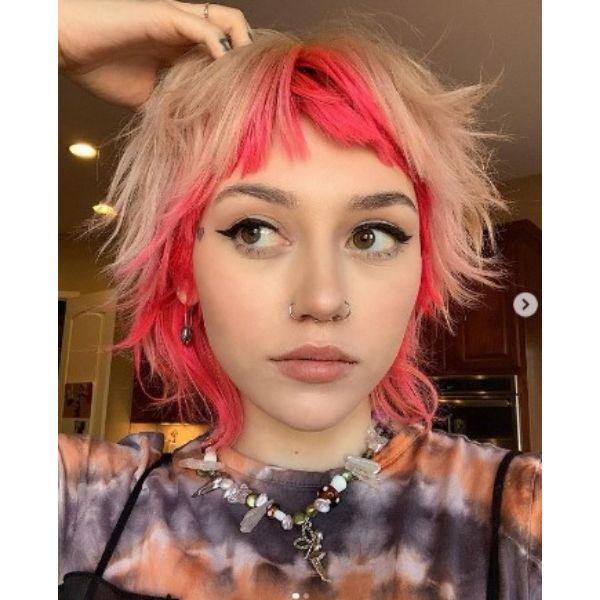Two-colored Blonde Pink Medium Shaggy Bob-cut